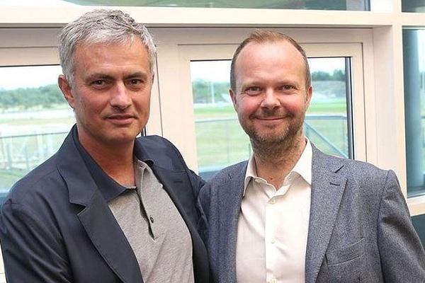 M.U sẽ không sa thải Mourinho