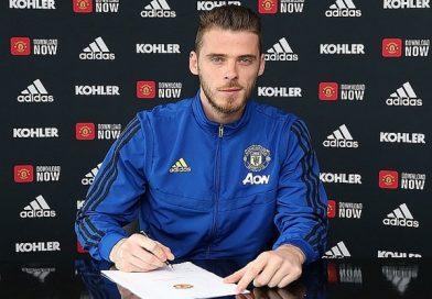 """Manchester United """"trói chân"""" thành công thủ thành De Gea"""