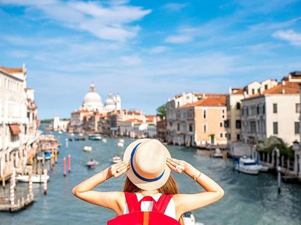 Mơ thấy đi du lịch là điềm báo gì - Đánh con số nào?