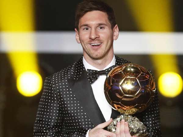 Messi nhận được danh hiệu quả bóng vàng của FIFA