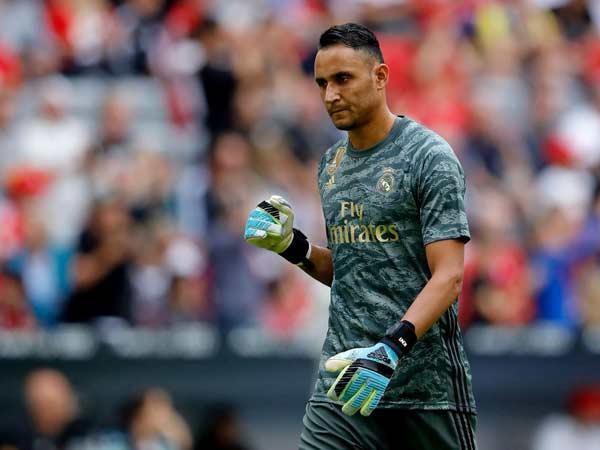 Keylor Navas là thủ môn chuyên nghiệp và luôn tập trung trên sân cỏ