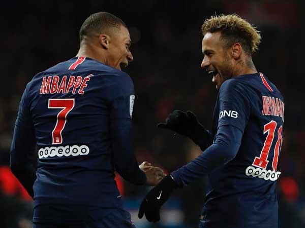 Hình ảnh Mbappe và Neymar trong trận đấu