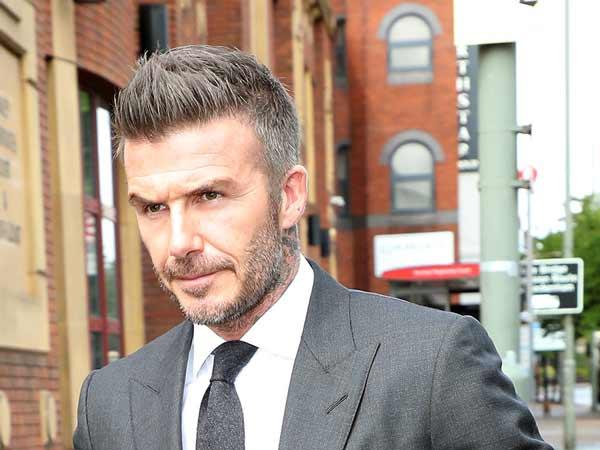 David Beckham bắt đầu sự nghiệp sân cỏ với CLB MU