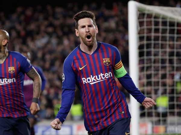 Hình ảnh ghi lại khoảnh khắc ghi bàn thành công của Messi