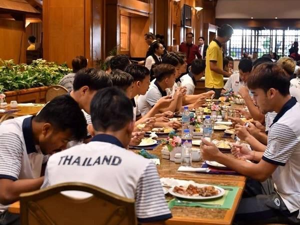 U22 Thái Lan thiếu đồ ăn, thức uống ở SEA Games 30