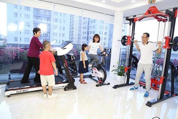 Luyện tập thể thao là cách rèn luyện sức khỏe cho cả gia đình