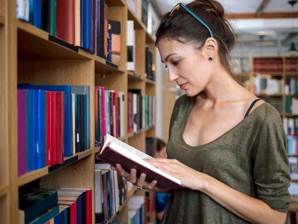 Nằm mơ thấy thư viện là điềm báo lành hay dữ?