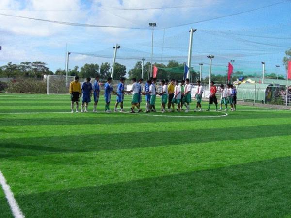 Đây là hình ảnh sân đá bóng quận Bình Thạnh – Thiên Trường.