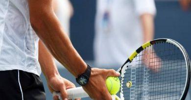 Cách chọn dây vợt tennis giúp kiểm soát bóng tốt hơn
